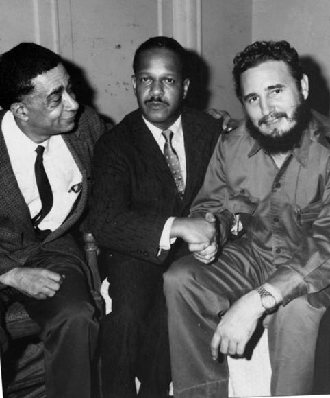 Dirigentes de prestigiosas instituciones negras de Estados Unidos visitaron a Fidel Castro luego de su decisión de aceptar el ofrecimiento de alojamiento del hotel Theresa, en Harlem. Foto: Prensa Latina