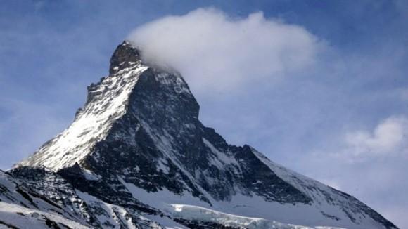 La fachada oriental del Matterhorn está cubierta de objetos, dice el rescatista Gerold Biner. Foto: Reuters