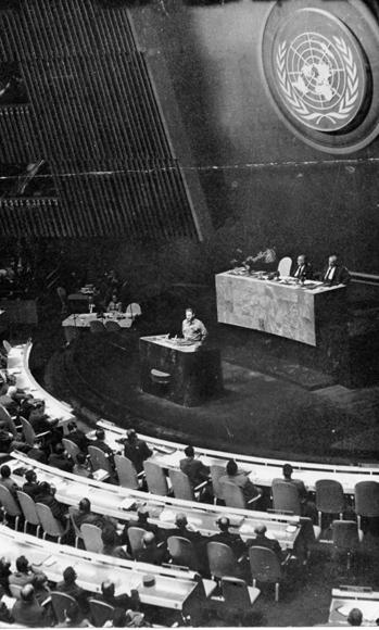 Fidel Castro pronuncia un extraordinario discurso ante el XV Periodo de Sesiones de la ONU. Durante 4 horas y 29 minutos improvisó en el Salón Plenario. Foto: Archivo