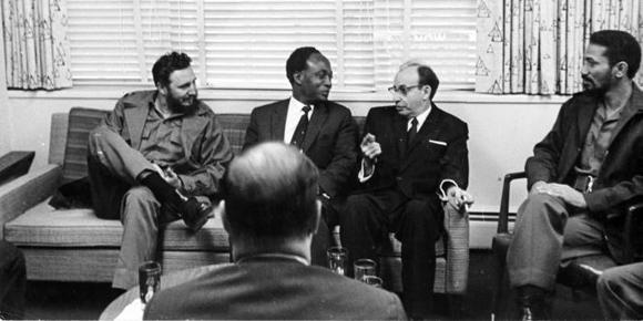 Encuentro de Fidel Castro con el presidente de Ghana Kwane Nkrumah, quien asiste al XV Periodo de Sesiones de la ONU en Nueva York. Foto: Alberto Korda