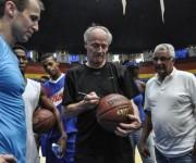 CUBA-LA HABANA-GOBERNADOR DE ARKANSAS COMPARTE CON EL EQUIPO CAP