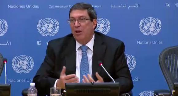 Bruno en la ONU durante comparecencia ante la prensa.