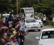 El Papa llegando a El Cobre, en Santiago de Cuba. Foto: Ismael Francisco/Cubadebate