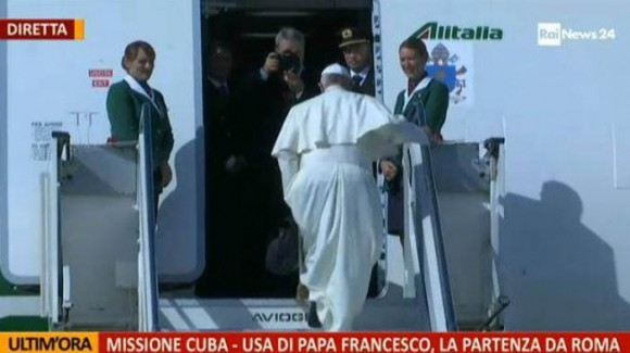 El papa saliendo de Roma