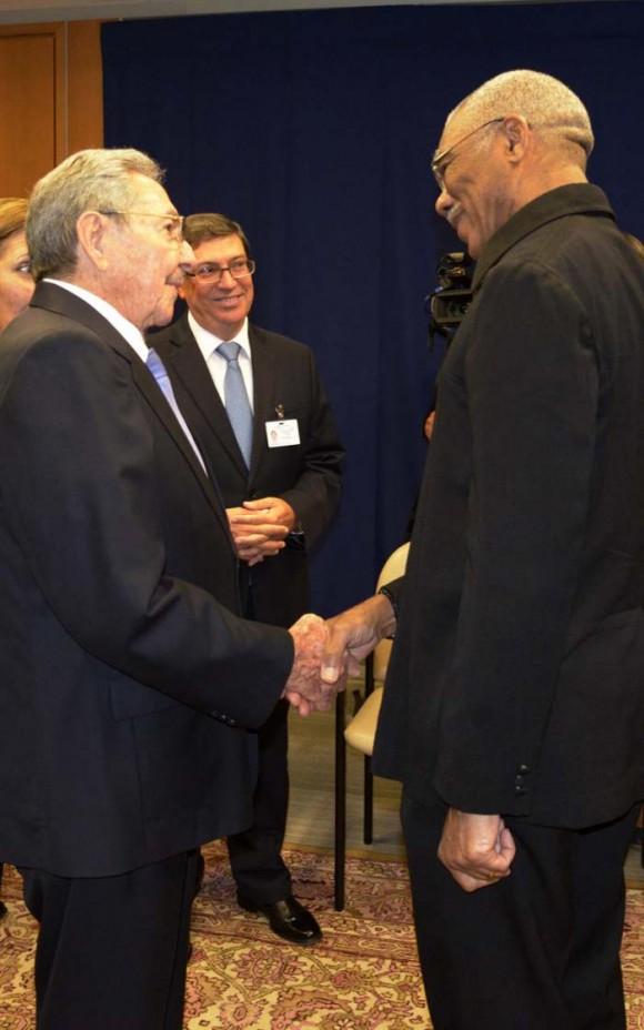 Raúl se reunió con el presidente de Guyana David Granger.