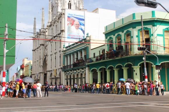 Esquina de Reina y Belascoain. Foto: José Raúl Concepción / Cubadebate