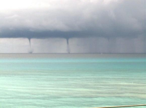 Tormenta Local Severa ocurrida al norte de la Península de Hicacos Varadero, el día 2 de junio de 2015 a las 7.30 am. fOTO Lic. Geografía Yasser Fernández Perera. Instituto de Oceanología / Cubadebate