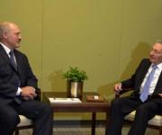 Raúl se entrevistó con Alexander Lukashenko, presidente de la República de Belarús. Fotos: Estudios Revolución.