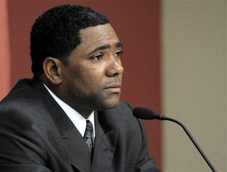 Miguel Tejada podría hacer que Dominicana se mantenga en la cima. Foto tomada de teleradioamerica.com