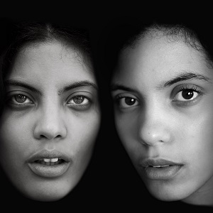 Naomi y Lisa-Kainde Díaz en la portada del disco Ibeyi