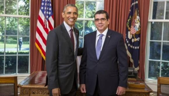 El presidente de Estados Unidos, Barack Obama, recibe al embajador cubano José Ramón Cabañas en la Casa Blanca, el 17 de septiembre de 2015. Foto: Cubadebate
