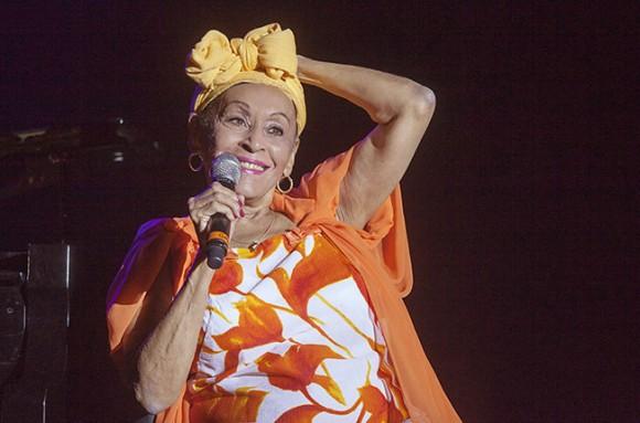 Omara Portuondo en el Tour del Adios de Buena Vista Social Club, en el Teatrol Circo Price, en Madrid, España, el 21 de julio de 2015. Foto: AP