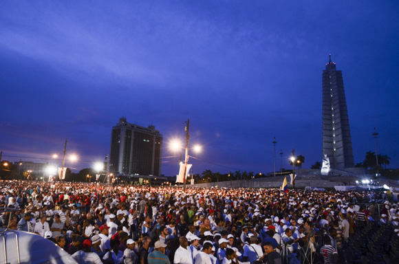 Papa en La PLaza La Habana. Foto: Kaloian/ Cubadebate.