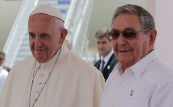 Raúl Castro despidió al Papa Francisco