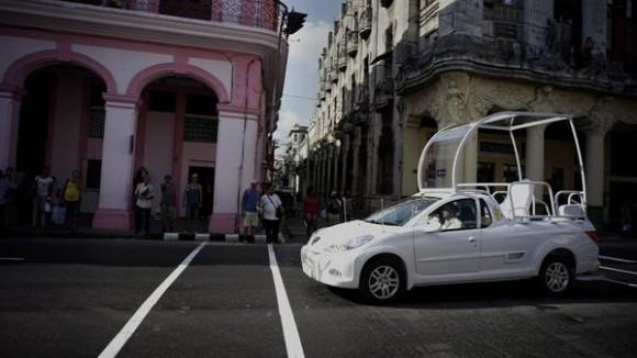 Papamovil en Cuba