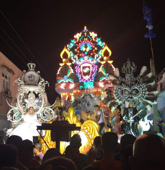 Parrandas Chambas 2015, carroza barrio Narcisa,El Gavilan!! Foto Johannes Vázquez / Cubadebate