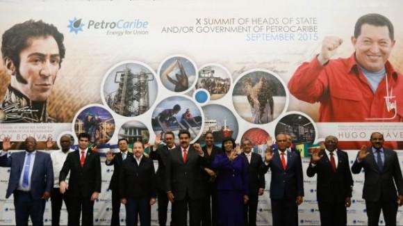 La Foto de Familia de la Cumbre de Petrocaribe.