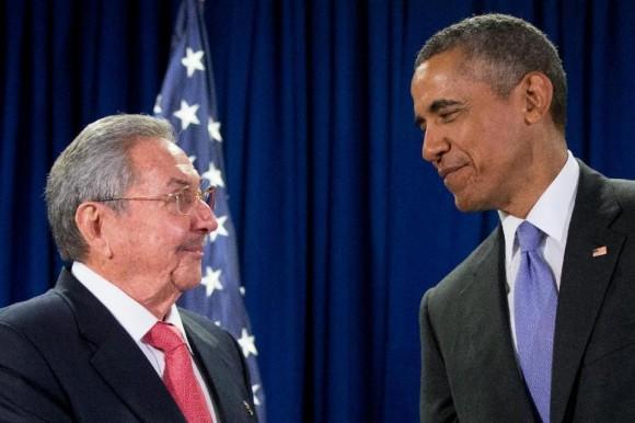 Encuentro del Presidente cubano Raúl Castro y el Presidente de EE.UU Barack Obama en la sede de la ONU, el 29 de septiembre de 2015. Foto:AP /Andrew Harnik