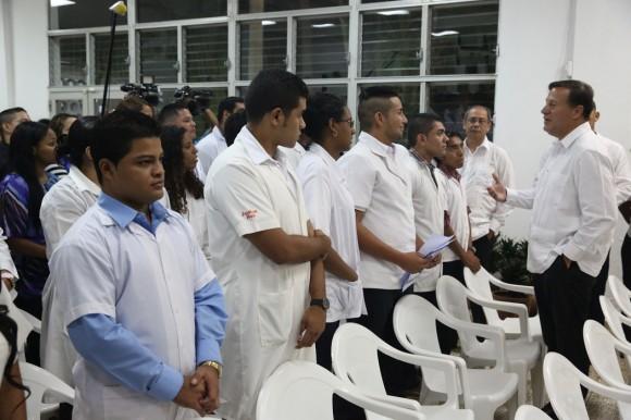 Raúl  y Varela en la ELAM 11 de septiembre 2015 foto presidencia de panamá 1