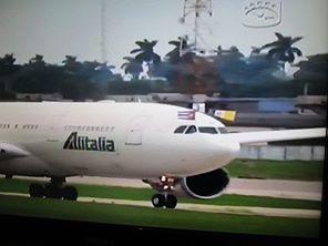 avión del papa llega a la habana