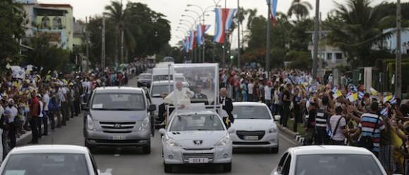 Más de cien mil personas recibieron en La Habana al Papa Francisco (+ Fotos)