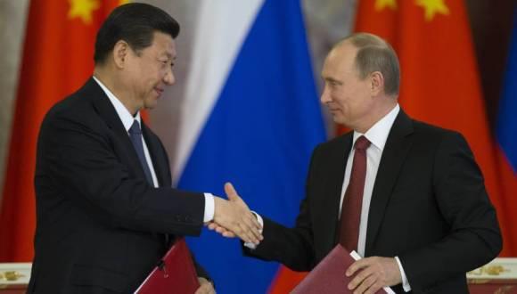 Presidente de Rusia y China, Vladimir Putin y Xi Jinping. Foto: AP.