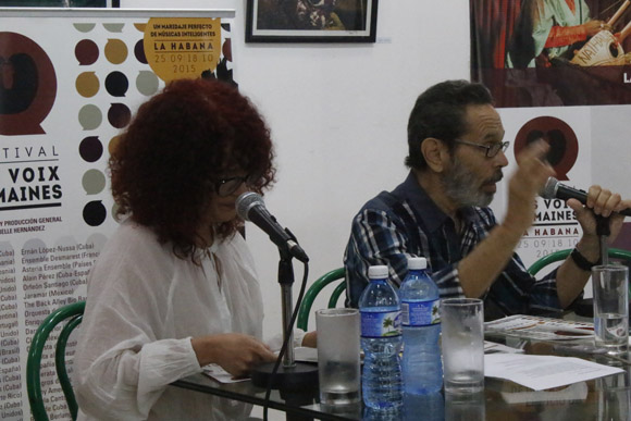 Isabelle Hernández y Leo Brouwer presidieron esta mañana un encuentro con la prensa en el que precisaron los detalles de Les Voix Humaines. Foto: Cubadebate