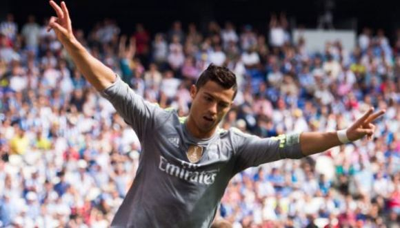 Cristiano Ronaldo es el actual Bal{on de Oro, pero le será muy difícil revalidar su título debido al empuje de Lionel Messi. Foto: EFE