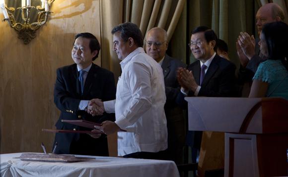 Ambas naciones suscribieron seis convenios para el intercambio económico y comercial. Foto: Ladyrene Pérez/ Cubadebate.