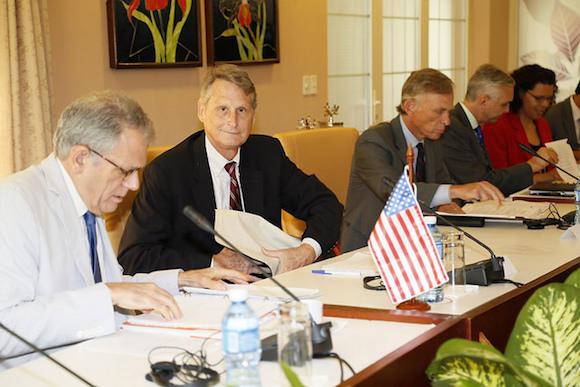 la estadounidense por el subsecretario adjunto para los Asuntos del Hemisferio Occidental del Departamento de Estado, Edward Alex Lee. Foto: Cubaminrex