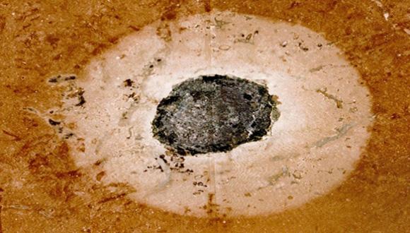 Imagen de los dos impactos de meteorito. Foto: Universidad de Gotemburgo