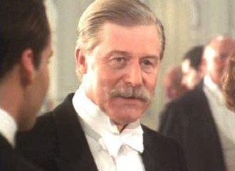 El personaje de Sir Cosmo Duff-Gordon, durante una de las escenas de 'Titanic'