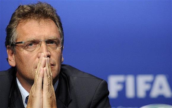 La FIFA anunció a través de un comunicado que inhabilita a su secretario general por tiempo indefinido.
