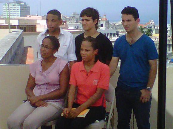Desde su sede en Roma el Papa Francisco sostuvo en la mañana de este jueves un intercambio con cinco jóvenes cubanos y cinco norteamericanos.