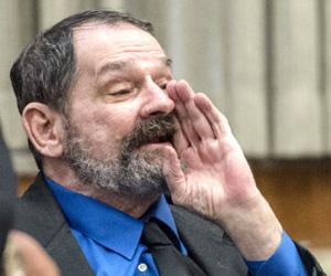 Declaran culpable de tres asesinatos a ex líder del Ku Klux Klan