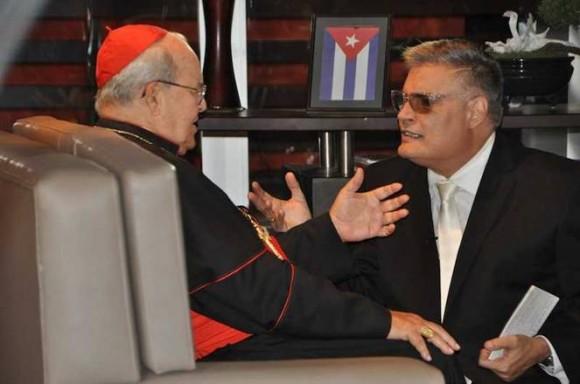 El Cardenal Jaime Ortega Alamino y Amaury Peréz Vidal. Foto: Yamil Santana/ Portal de la TV Cubana