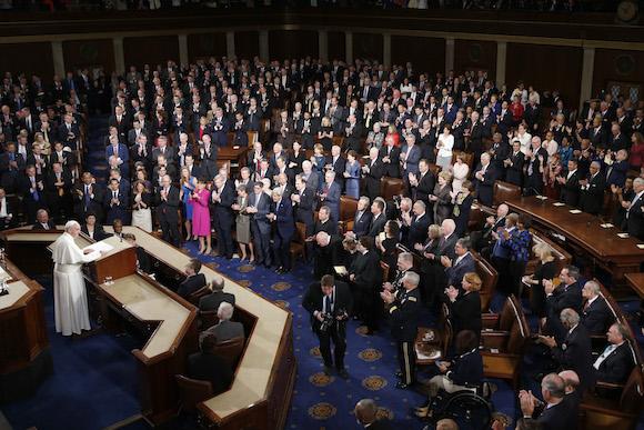 El Papa habla ante el Congreso. Foto: Evan Vucci/ AP