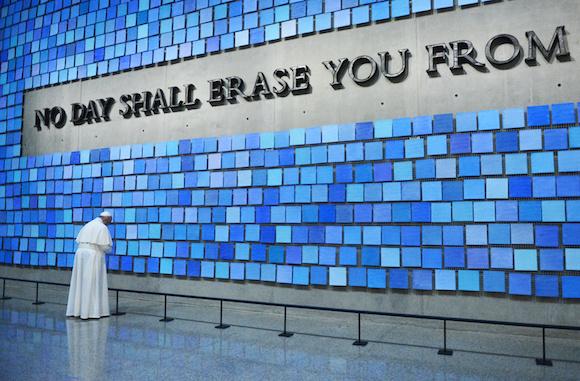 El Papa Francisco en el Museo dedicado al 9/11. Foto: Susan Watts/ AP Pool