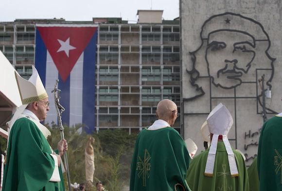 El Papa Francisco en la pastoral de la Plaza de la Revolución. Foto: Alessandra Tarantino/ AP