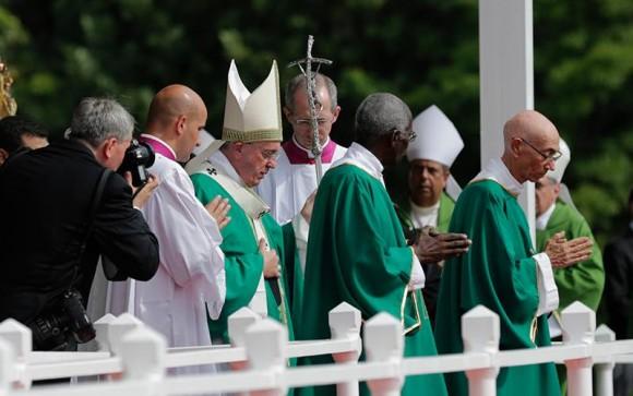 El Papa Francisco oficia Santa Misa en Plaza de la Revolución. Foto: Ismael Francisco/  Cubadebate.