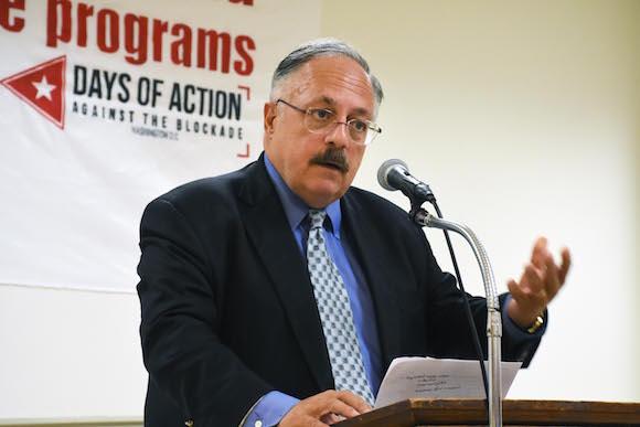 José Pertierra.