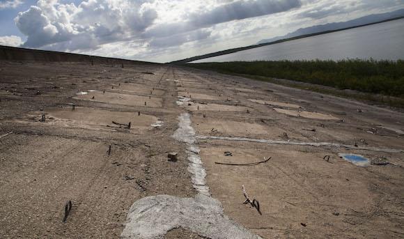 Durante este período seco, el mayor embalse del país llegó a los volúmenes más bajos de los últimos 28 años. Foto: Ismael Francisco/ Cubadebate
