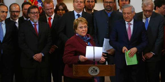 La presidenta de Chile, Michelle Bachelet, reacciona ante la decisión de La Haya respecto a la demanda marítima de Bolivia. Foto: Agencia UNO.