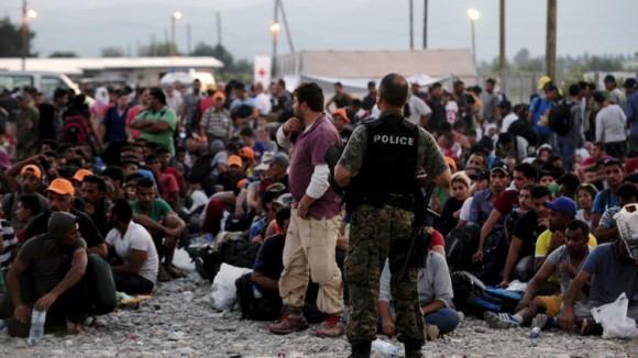 Aprueba Grecia Ley de asilo para frenar inmigración
