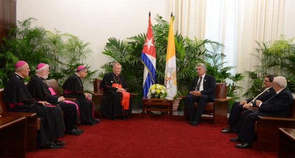 reunión dirigentes cubanos y vaticanos