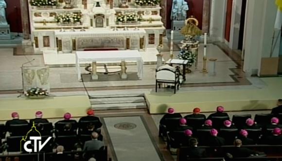 rezo del papa a la virgen