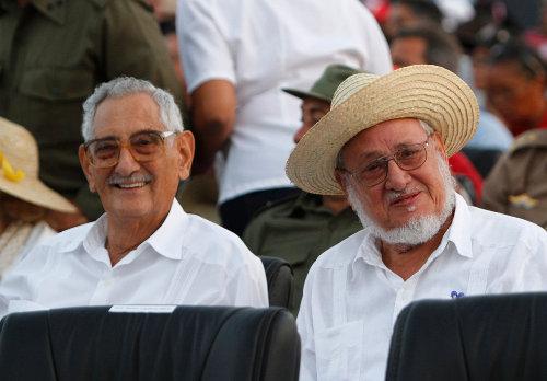 Julio Camacho Aguilera y Jorge Risquet Valdés presentes en el acto por el Aniversario 60 del Asalto al Cuartel Moncada. Foto Ismael Francisco / Cubadebate