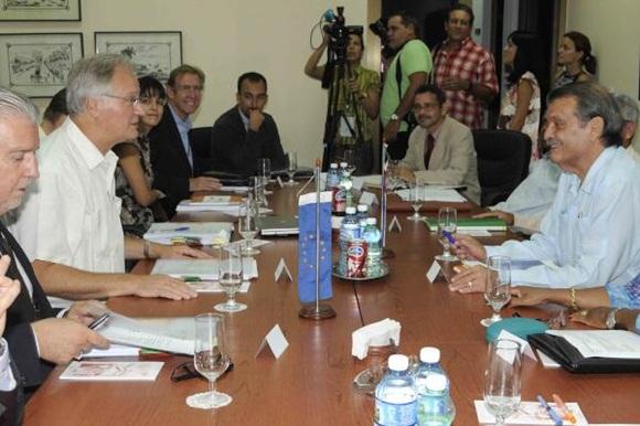 En declaraciones a la prensa en la sede de la cancillería, Moreno informó que en horas de la mañana concluyó la V ronda de negociaciones entre ambas partes.