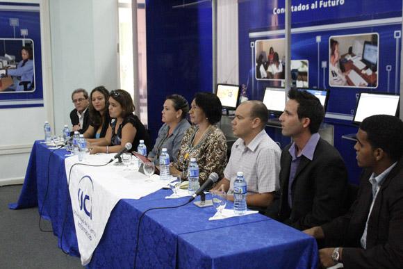 Panelistas en la conferencia de prensa ofrecida en la UCI. Foto: José Raúl Concepción/Cubadebate