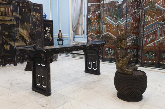 Decorado con paneles laqueados y escenas de chinerías, el Salón Oriental. Foto: Roberto Garaicoa Martinez/ Cubadebate
